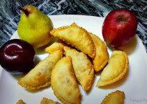 mixed fruit gujiya apple pear plum - tangylife