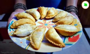 mixed fruit gujiya recipe - tangylife