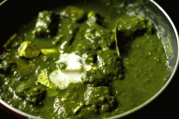 palak paneer recipe organic spinach curry with indian cheese featured tangylife
