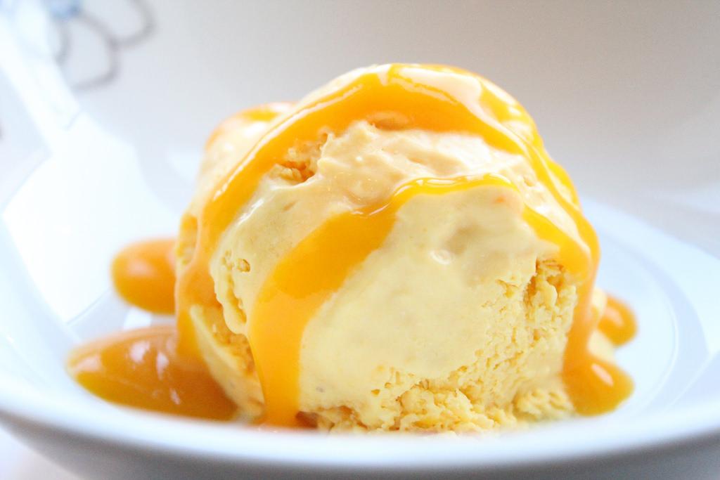 homemade mango ice cream - tangylife